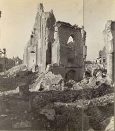 Ruines d'une église après bombardement Image fixe | Collaer, Paul (1891-1989) - Belgian musicologist, pianist and conductor. Propriétaire précédent