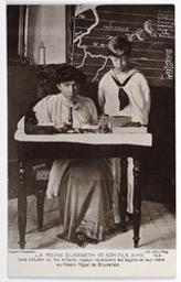 La Reine Elisabeth et son fils Ainé. Salle d'études où les enfants royaux recevaient les leçons de leur mère au Palais Royal de Bruxelles postcard |